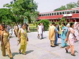 Hans Raj Mahila Maha Vidyalaya Photos