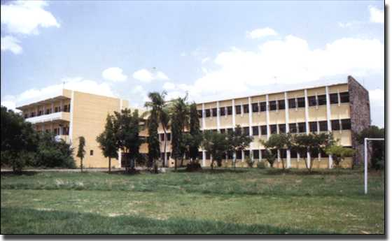 D G Vaishnav College School of Management Photos