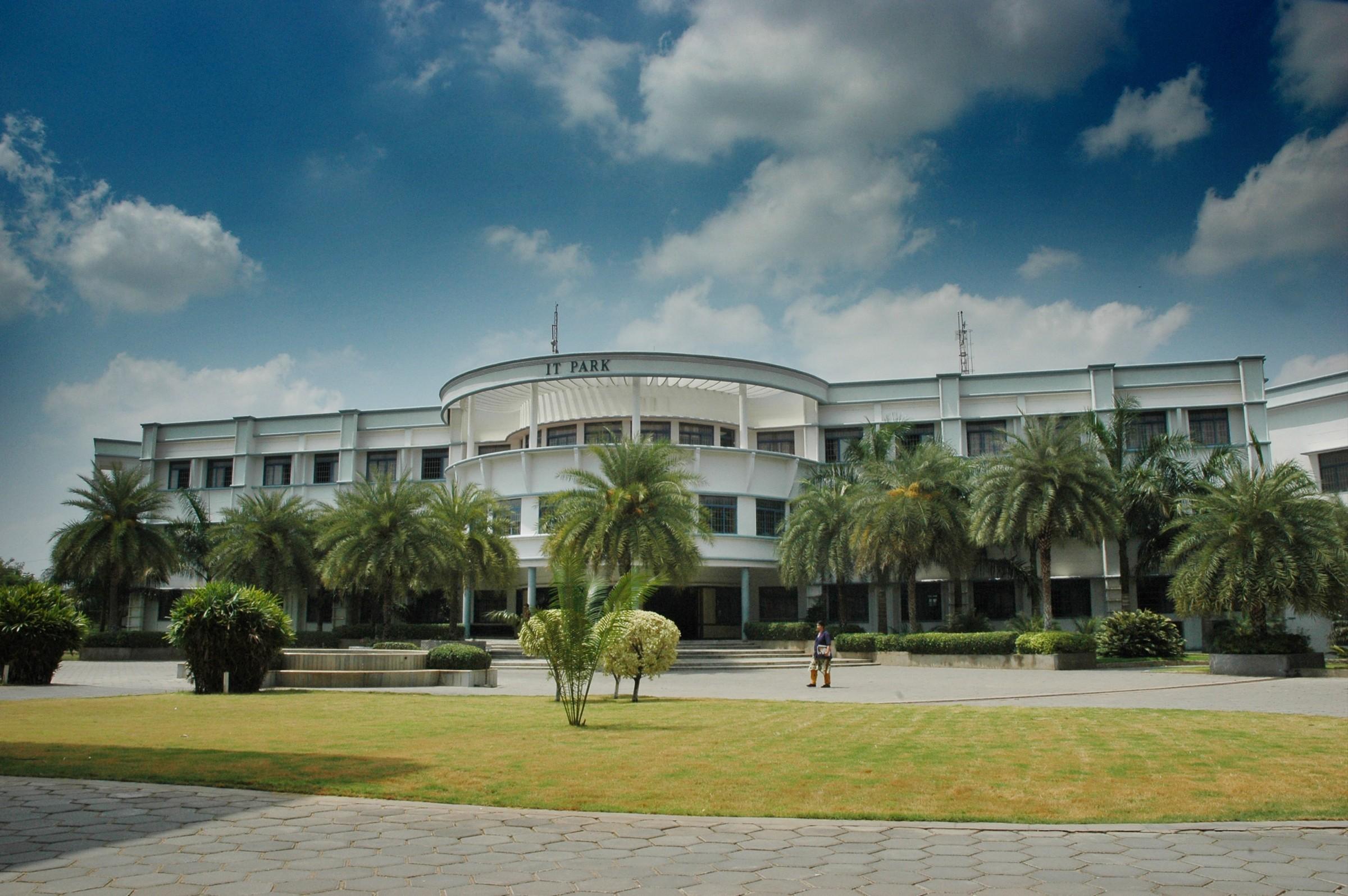 Kongu Engineering College Photos