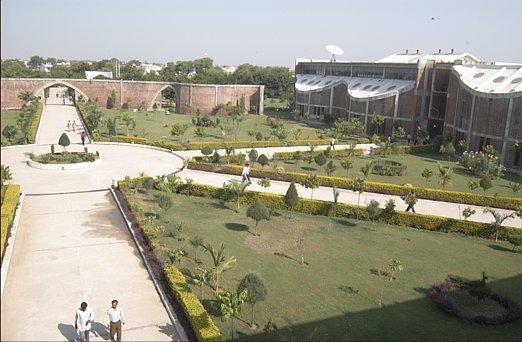 Shri C J Patel College of Computer Studies Photos