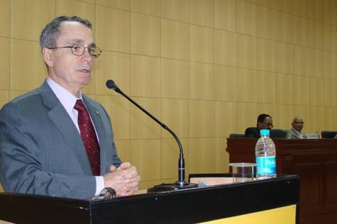 Mr Doug Jones, President of the Chartered Institute of Arbitrators, London delivers lecture at Amity