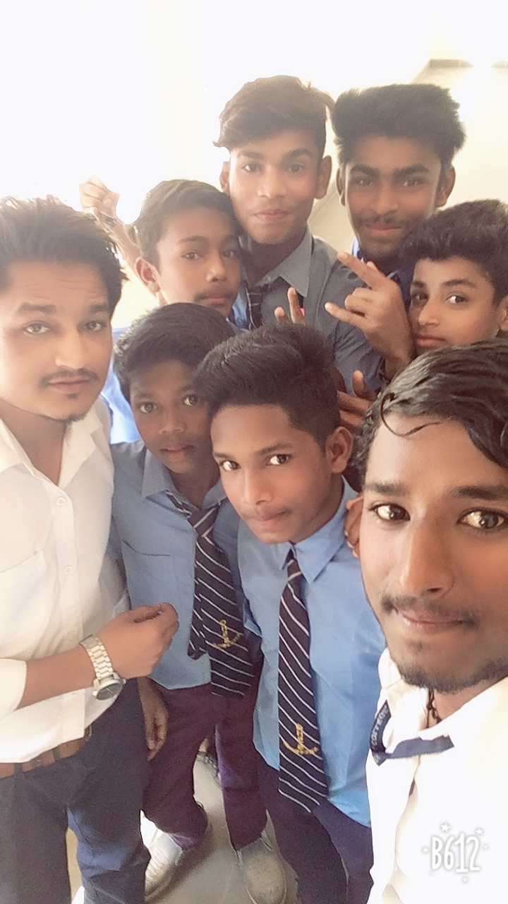 Selfi with 9th student