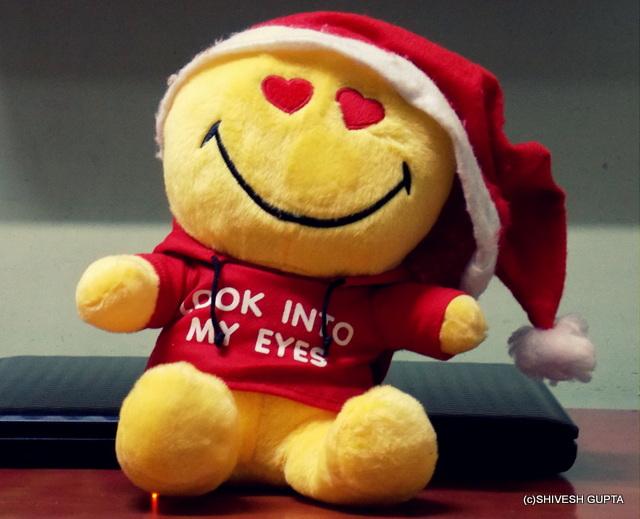 Is Santa Claus a Girl or a Boy ???