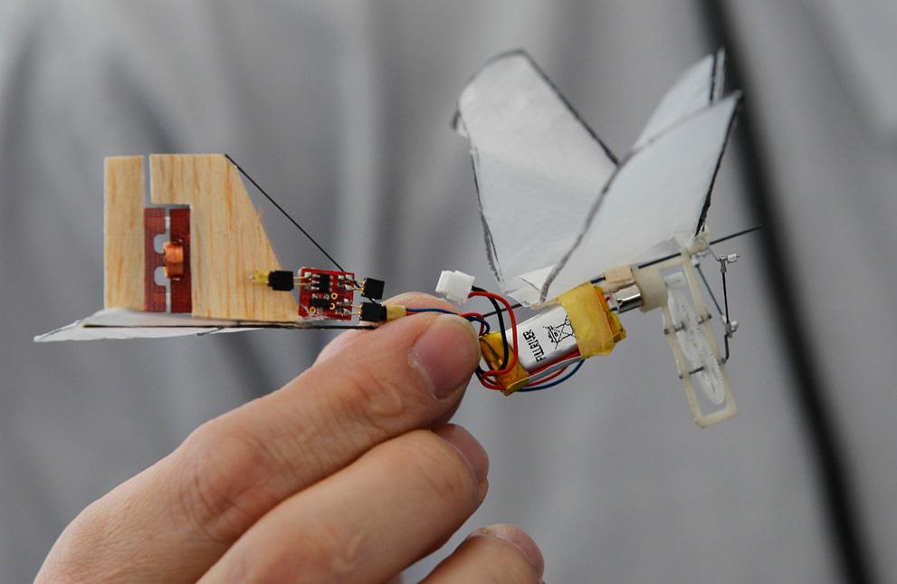 NANO HUMMINGBIRD ROBOT