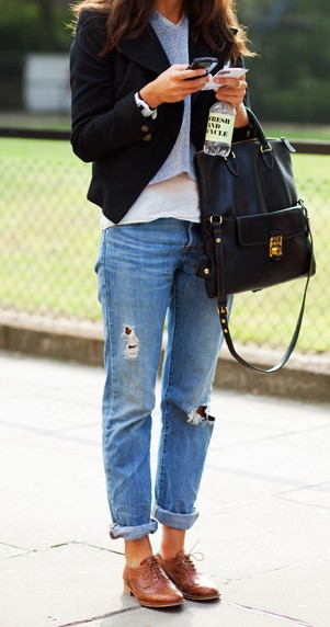 STYLE- DISTRESSED JEANS