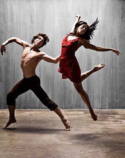 Dance-An heart Form