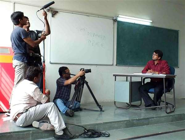 www.javedhussain.in