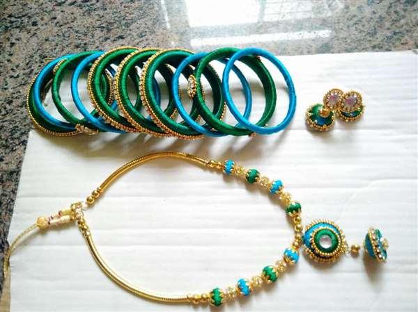 Threaded jewellery creator