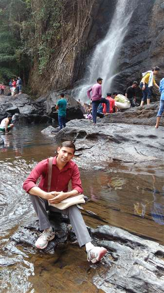 MUNEER KHAN: Waterfall kerala